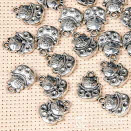 Подвеска металлическая Котёнок японский 1,1*1,4см (серебро)