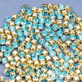 Стразы в золотых цапах 4мм (голубой) 100 штук